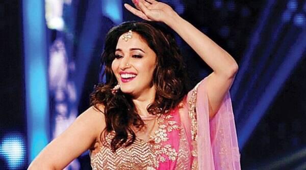 Madhuri Dixit出现在舞蹈电视节目上