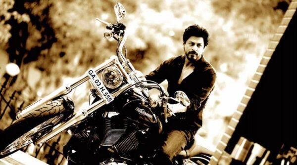 骑自行车射击'释放'Shah Rukh Khan的思想