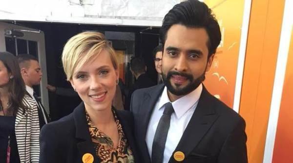 Jackky Bhagnani在'他命名Malala'首映时遇见Scarlett Johansson
