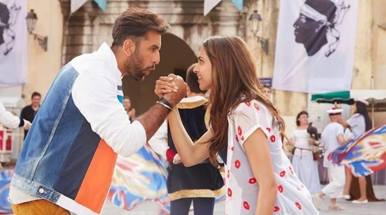 Deepika Padukone,Ranbir Kapoor让他们的头发下来,做一些'Matargashti':观看'Tamasha'的歌
