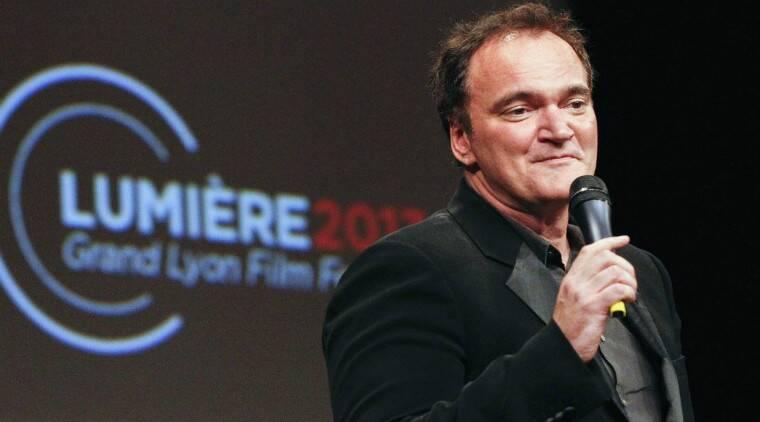 Quentin Tarantino在Selfie Request上捕捉女性粉丝