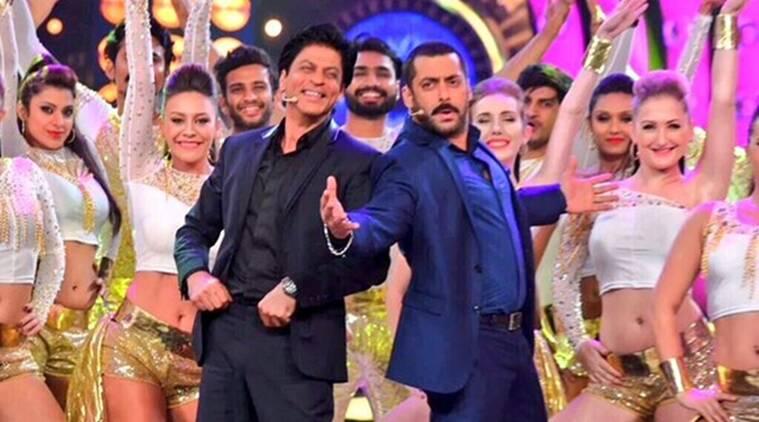 Salman Khan  -  Shah Rukh Khan reunion在Bigg Boss 9