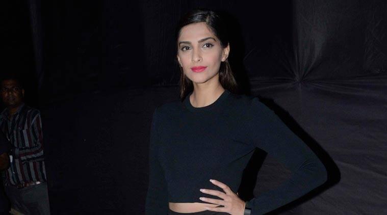 Sonam Kapoor计划为强大的女性指导令人难以置信的故事