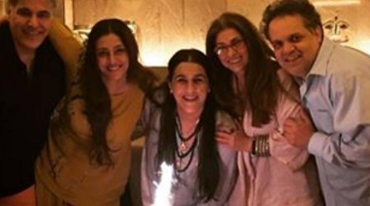 Dimple Kapadia,Tabu聚在一起庆祝Amrita Singh的生日