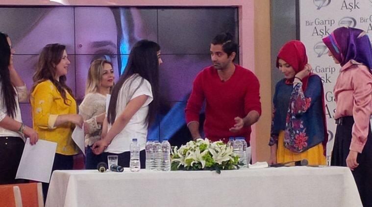 Barun Sobti'在他的电视节目中感到高兴在土耳其播出
