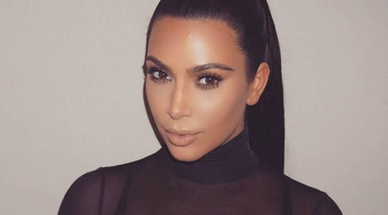 Kim Kardashian在新的文章中捍卫裸体照片